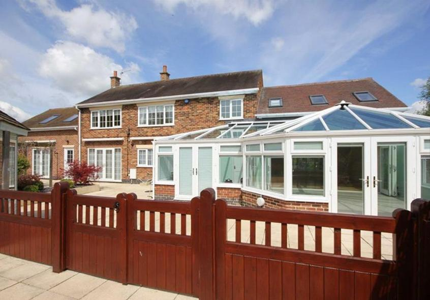does a conservatory add value to your house, does a conservatory add value to your household, how does a conservatory add value to your house, why does a conservatory add value to your house