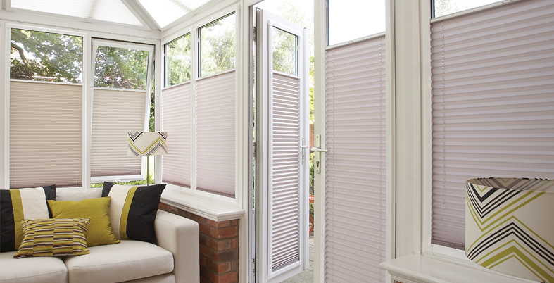 made to measure blinds Northampton, pleated Northampton made to measure blinds, heat rejecting made to measure blinds in Northampton, heat retaining made to measure blinds Northampton, pleated cream blinds