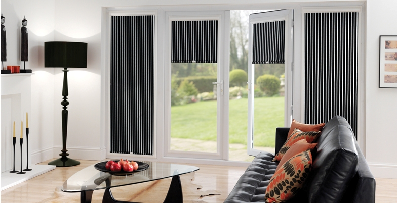 made to measure blinds, pleated made to measure blinds, heat rejecting made to measure blinds, heat retaining made to measure blinds, black and white stripe blinds